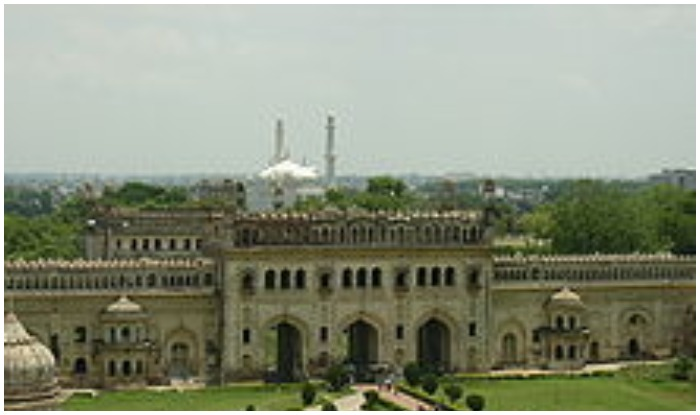 Bada Imambara - Get the Detail of lucknow historical place