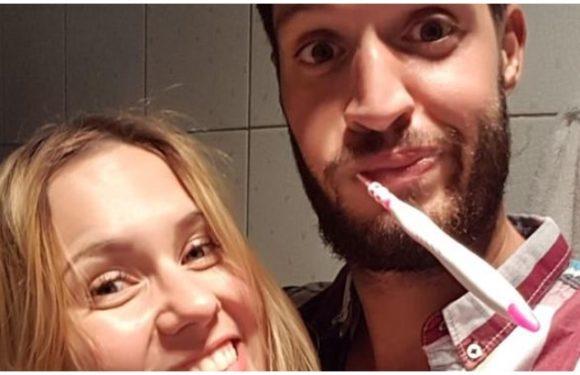 Tinder Dating: 20 गर्लफ्रेंड्स ने इस लड़के को दुनिया घुमा दी, वो भी 'Free' में