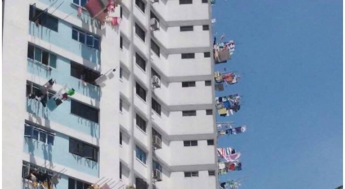 सिंगापुर डायरी-4: बिल्डिंग का ऐसा नजारा देख हंसी छूट गई
