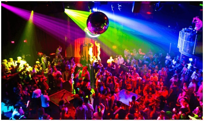 Best 6 places for a night out in Delhi