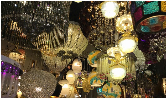 market in Chandni Chowk, there are details from Khari Baoli to Daribe