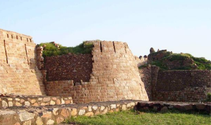 Tughlaqabad Fort of Delhi, which was 'ruined' by the curse of Nizamuddin Auliya!