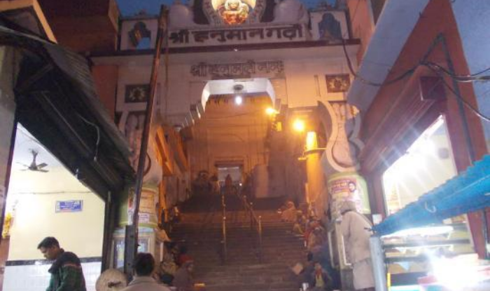 Hanumangarhi Mandir -know about the story of hanumangarhi in ayodhya