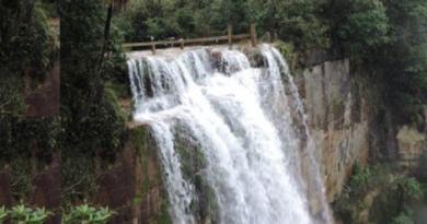 meghalaya-cherrapunji-wah-kaba-waterfalls