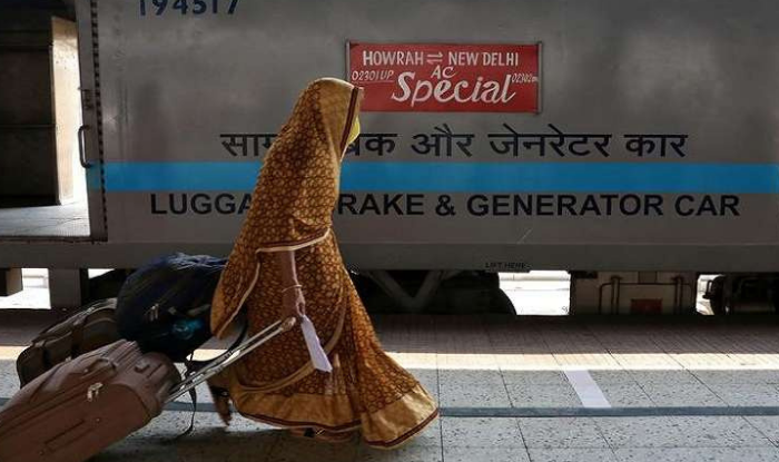 railways to startsapp based bags on wheels service for railway passengers