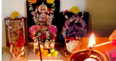 Diwali: Offer these fruits and sweets to goddessLakshmi on Diwali