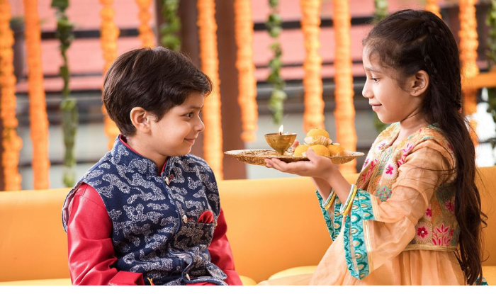 Know, how Bhai Dooj is different from Rakshabandhan