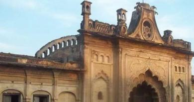know about makka darji imambara and bhul bhulaiya of sitapur