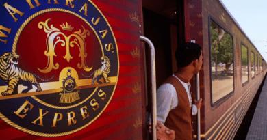 भारतीय रेलवे का नेटवर्क, अलग अलग संस्कृतियों को छूता हुआ देश के 3 करोड़ लोगों को हर रोज़ सफ़र करवाता है. आइए जानते हैं देश की बेमिसाल ट्रेन यात्राओं ( 12 Best Train Routes in India) के बारे में.